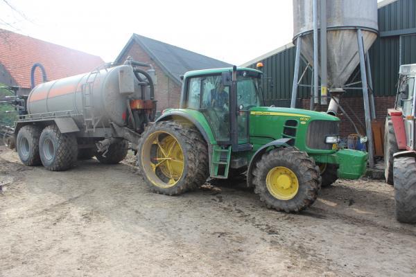 Tractors krijgen kenteken