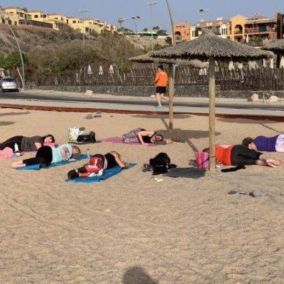 Yoga op het strand