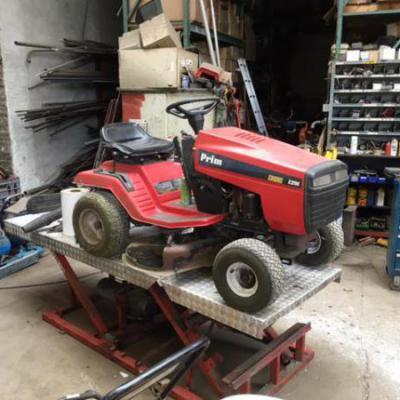 Sleutelen tractor