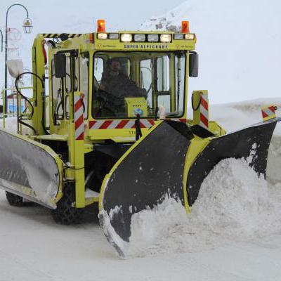 Grote sneeuwploeg