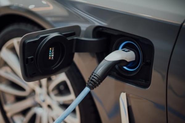 Subsidie voor zzp-ers voor aankoop nieuwe elektrische auto