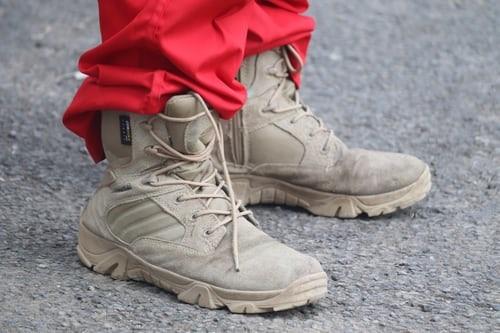 Bescherm je voeten met het dragen van veiligheidsschoenen