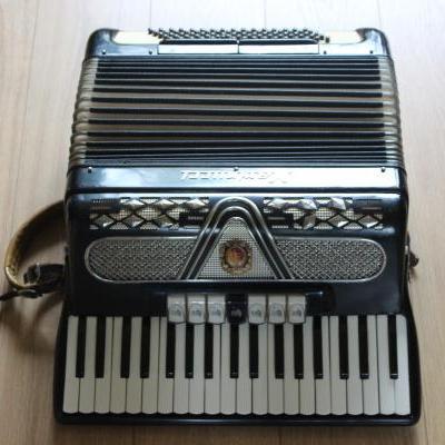 Muziekinstrumentenmaker