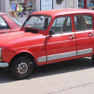 Renault vier